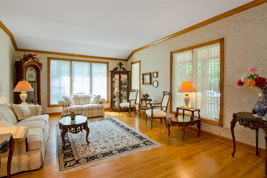 Real Estate Photography - 353 Mildred Avenue, Cary, IL, 60013 - Living Room