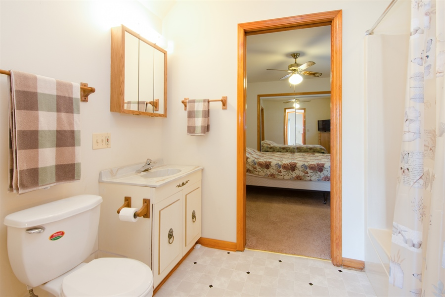 Real Estate Photography - 353 Mildred Avenue, Cary, IL, 60013 -