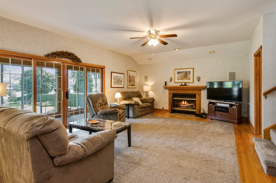 Real Estate Photography - 353 Mildred Avenue, Cary, IL, 60013 - Family Room