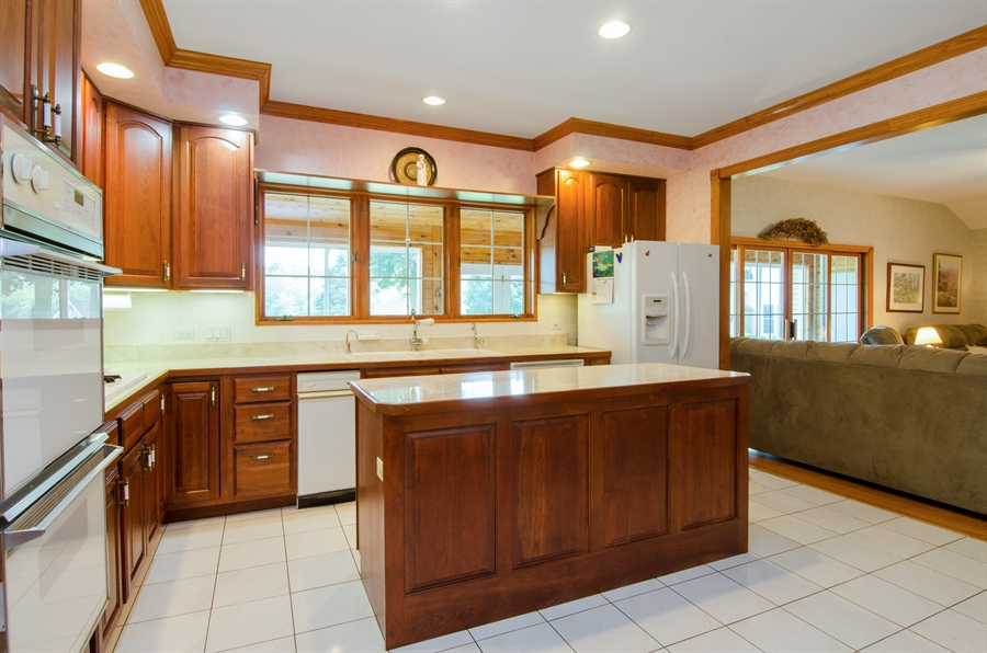 Real Estate Photography - 353 Mildred Avenue, Cary, IL, 60013 - Kitchen