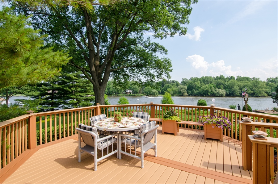 Real Estate Photography - 353 Mildred Avenue, Cary, IL, 60013 - Deck