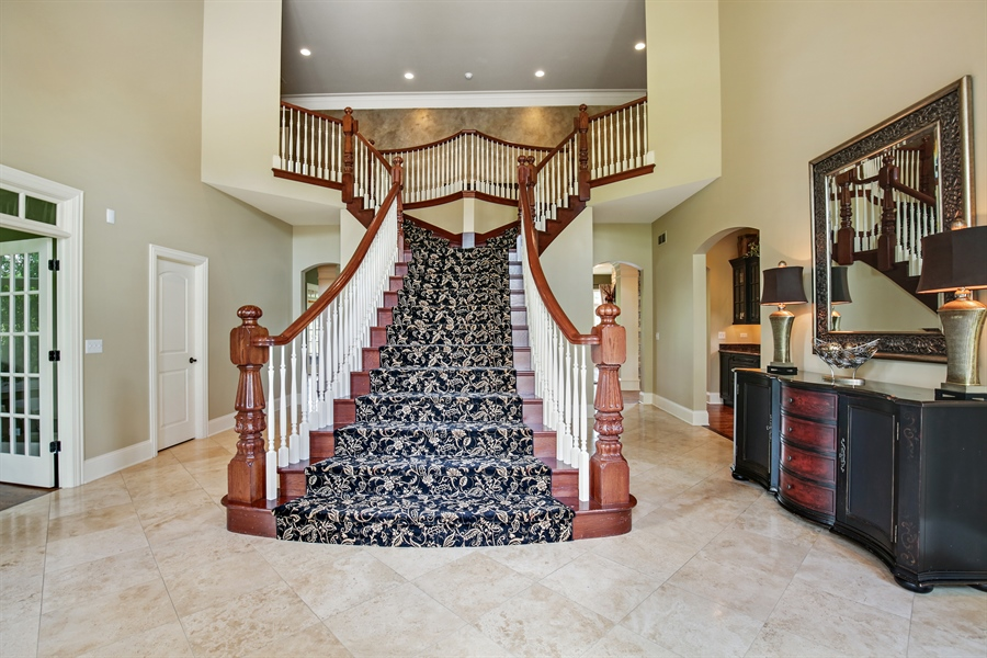 Real Estate Photography - 3602 Grandview, St Charles, IL, 60174 - Foyer