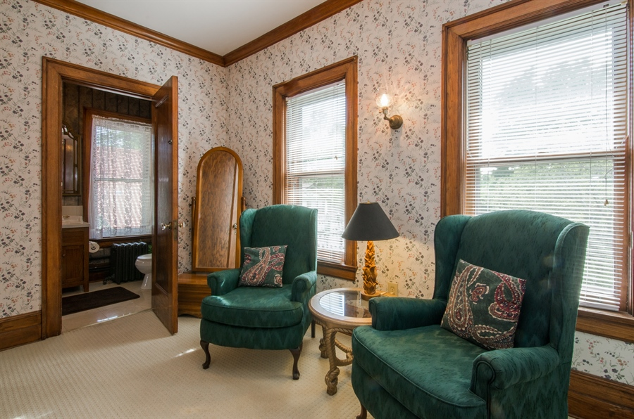 Real Estate Photography - 305 Oregon Avenue, West Dundee, IL, 60118 - Sitting Room