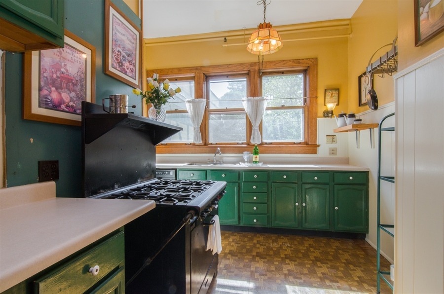 Real Estate Photography - 305 Oregon Avenue, West Dundee, IL, 60118 - Kitchen