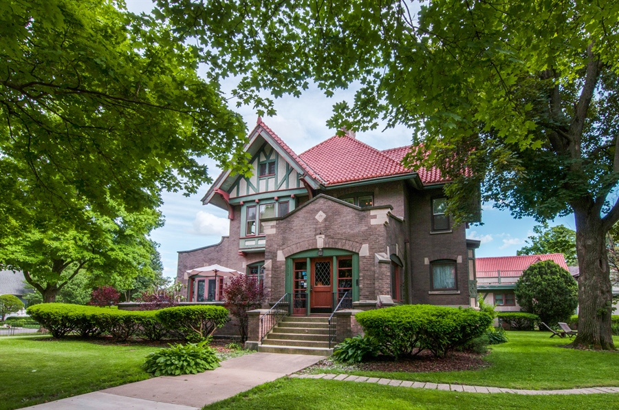 Real Estate Photography - 305 Oregon Avenue, West Dundee, IL, 60118 - Front View