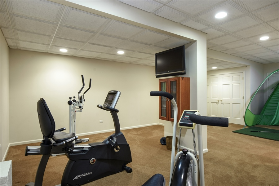 Real Estate Photography - 1314 Dunheath Drive, Barrington, IL, 60010 - Fitness Room