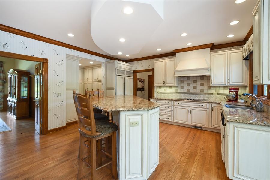Real Estate Photography - 1314 Dunheath Drive, Barrington, IL, 60010 - Kitchen