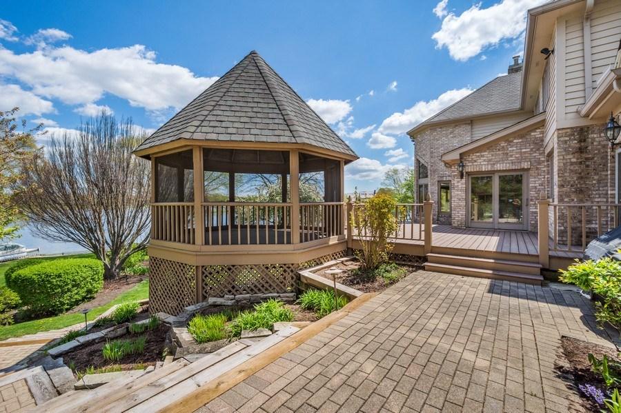 Real Estate Photography - 1314 Dunheath Drive, Barrington, IL, 60010 - Gazebo
