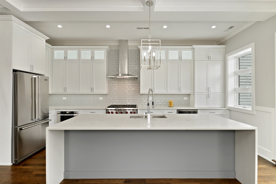 Real Estate Photography - 2918 N. Lakewood Avenue, Unit 2, Chicago, IL, 60657 - Kitchen