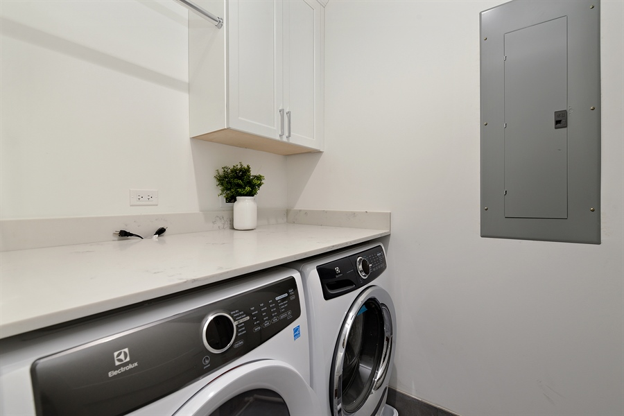 Real Estate Photography - 2918 N. Lakewood Avenue, Unit 2, Chicago, IL, 60657 - Laundry Room