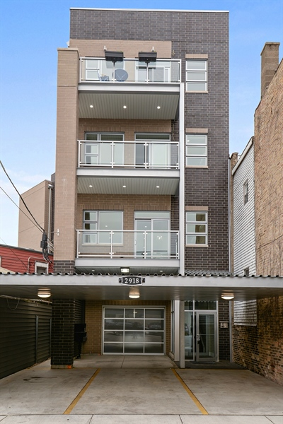 Real Estate Photography - 2918 N. Lakewood Avenue, Unit 2, Chicago, IL, 60657 - Front View