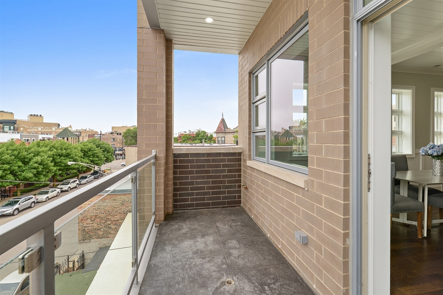 Real Estate Photography - 2918 N. Lakewood Avenue, Unit 2, Chicago, IL, 60657 - Balcony