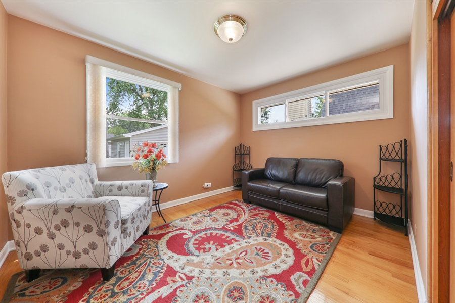 Real Estate Photography - 883 Duane Street, Glen Ellyn, IL, 60137 - 3rd Bedroom
