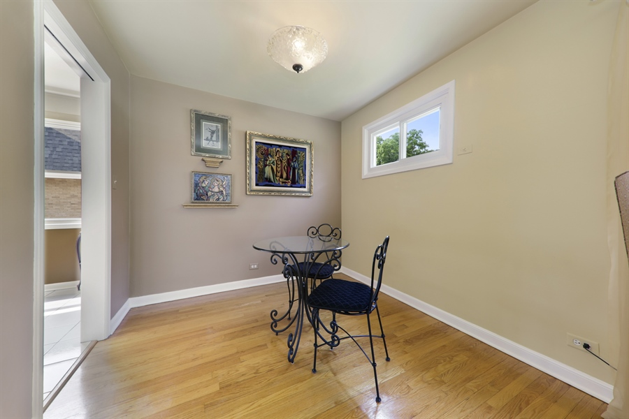 Real Estate Photography - 883 Duane Street, Glen Ellyn, IL, 60137 - Dining Room