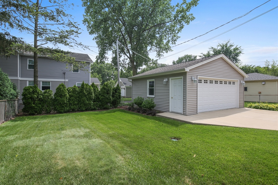 Real Estate Photography - 883 Duane Street, Glen Ellyn, IL, 60137 - Back Yard