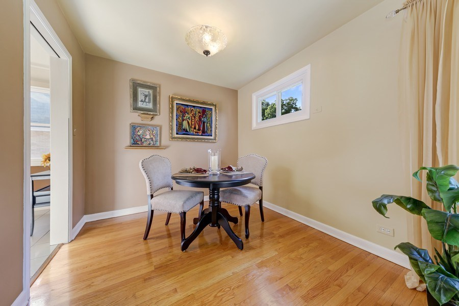 Real Estate Photography - 883 Duane Street, Glen Ellyn, IL, 60137 - Dining Area