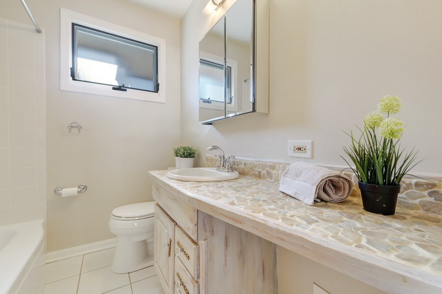 Real Estate Photography - 883 Duane Street, Glen Ellyn, IL, 60137 - Bathroom