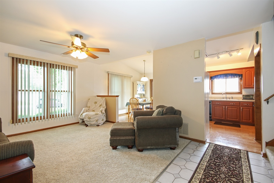 Real Estate Photography - 4706 151st Street, Oak Forest, IL, 60452 - Living Room