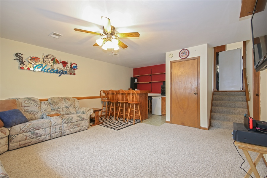 Real Estate Photography - 4706 151st Street, Oak Forest, IL, 60452 - Family Room