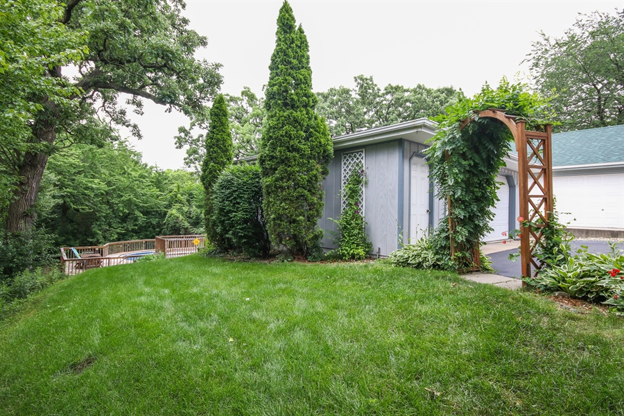 Real Estate Photography - 4706 151st Street, Oak Forest, IL, 60452 - Side View