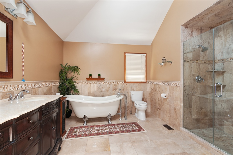 Real Estate Photography - 1508 Meadowland Drive, Naperville, IL, 60540 - Master Bathroom