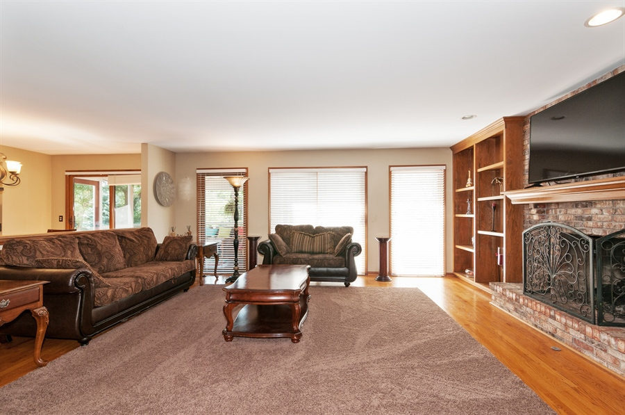 Real Estate Photography - 1508 Meadowland Drive, Naperville, IL, 60540 - Family Room