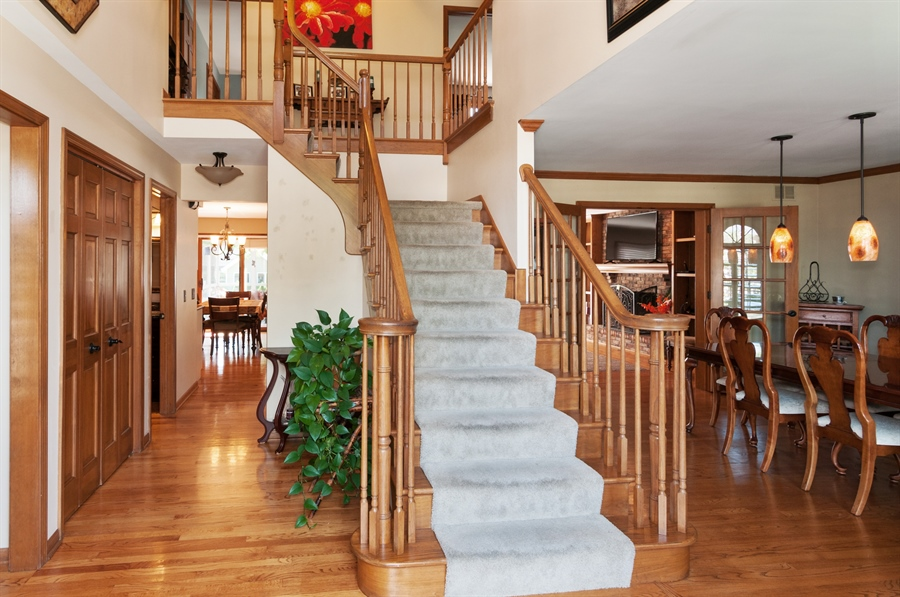 Real Estate Photography - 1508 Meadowland Drive, Naperville, IL, 60540 - Foyer
