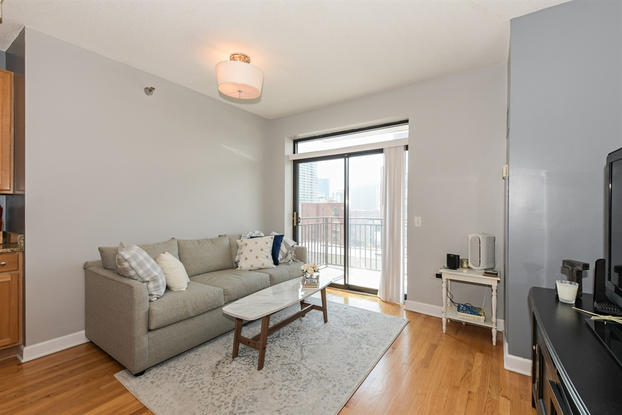 Real Estate Photography - 1529 S. STATE Street, Unit 8D, Chicago, IL, 60605 - Living Room