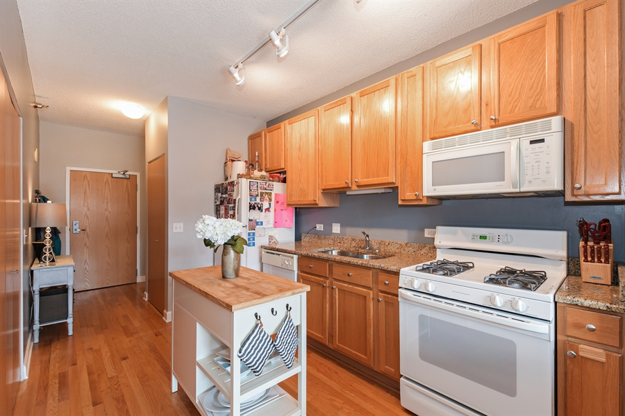 Real Estate Photography - 1529 S. STATE Street, Unit 8D, Chicago, IL, 60605 - Kitchen