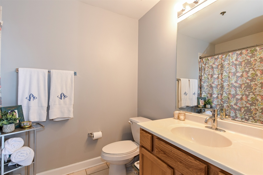 Real Estate Photography - 1529 S. STATE Street, Unit 8D, Chicago, IL, 60605 - Bathroom