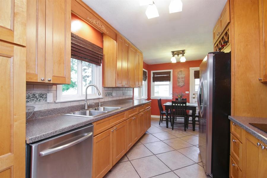 Real Estate Photography - 8 North Louis St, Mount Prospect, IL, 60056 - Kitchen
