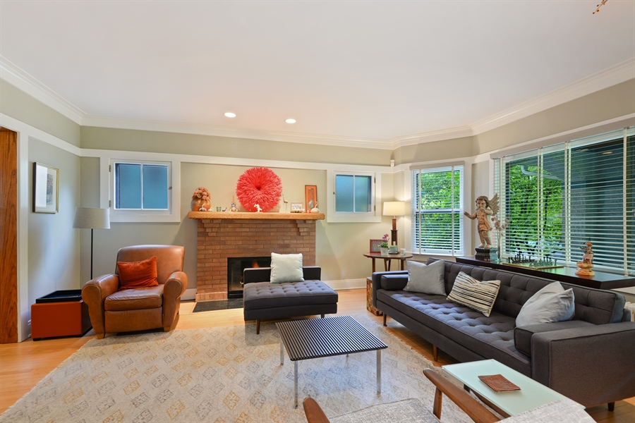 Real Estate Photography - 735 Michigan Ave, Evanston, IL, 60202 - Living Room