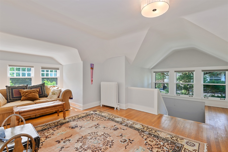 Real Estate Photography - 735 Michigan Ave, Evanston, IL, 60202 - 3rd Floor