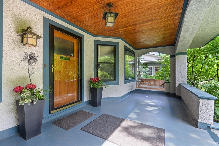 Real Estate Photography - 735 Michigan Ave, Evanston, IL, 60202 - Porch