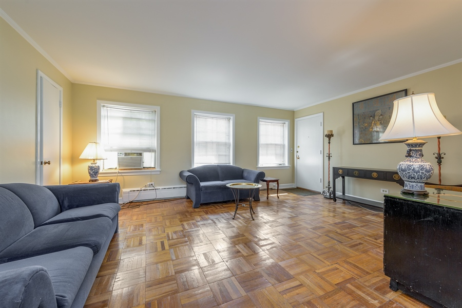 Real Estate Photography - 1406 Hinman Avenue, Unit 1N, Evanston, IL, 60201 - Living Room