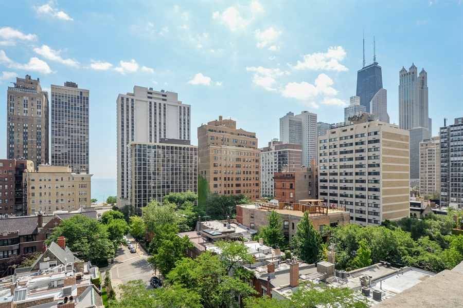 Real Estate Photography - 12 E Scott St, Unit 5, Chicago, IL, 60610 - Rooftop Deck View
