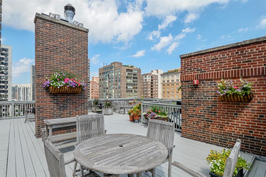 Real Estate Photography - 12 E Scott St, Unit 5, Chicago, IL, 60610 - Roofdeck West View