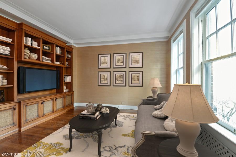 Real Estate Photography - 12 E Scott St, Unit 5, Chicago, IL, 60610 - Family Room