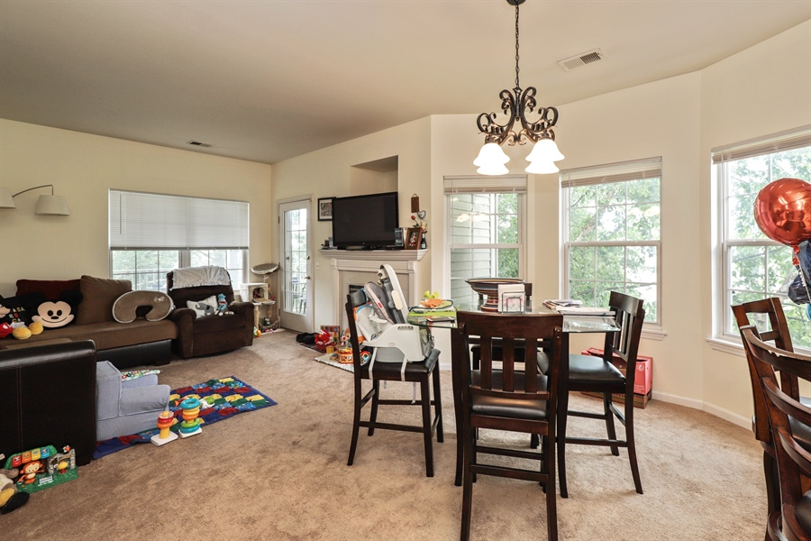 Real Estate Photography - 3243 Stratford Court, Unit 3F, Lake Bluff, IL, 60044 - Living Room