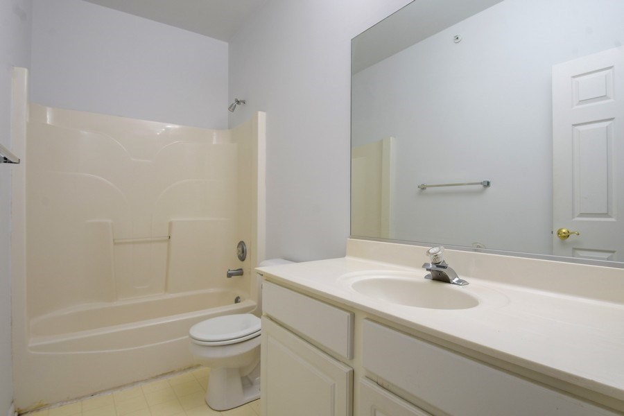 Real Estate Photography - 3243 Stratford Court, Unit 3F, Lake Bluff, IL, 60044 - Master Bathroom