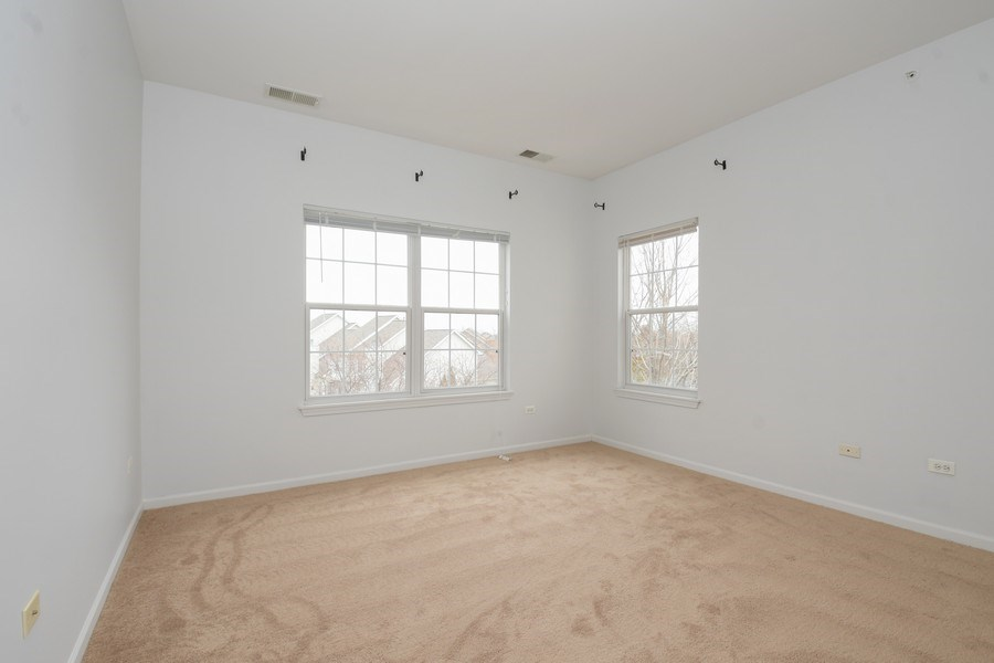 Real Estate Photography - 3243 Stratford Court, Unit 3F, Lake Bluff, IL, 60044 - Bedroom