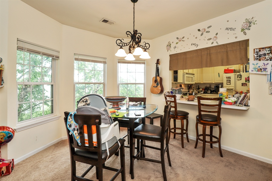 Real Estate Photography - 3243 Stratford Court, Unit 3F, Lake Bluff, IL, 60044 - Breakfast Area