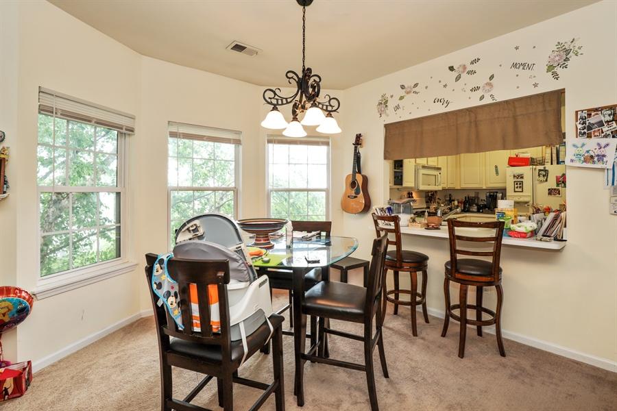 Real Estate Photography - 3243 Stratford Court, Unit 3F, Lake Bluff, IL, 60044 - Breakfast Area