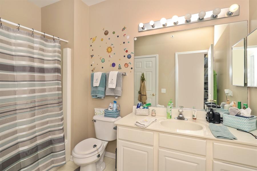 Real Estate Photography - 3243 Stratford Court, Unit 3F, Lake Bluff, IL, 60044 - Bathroom