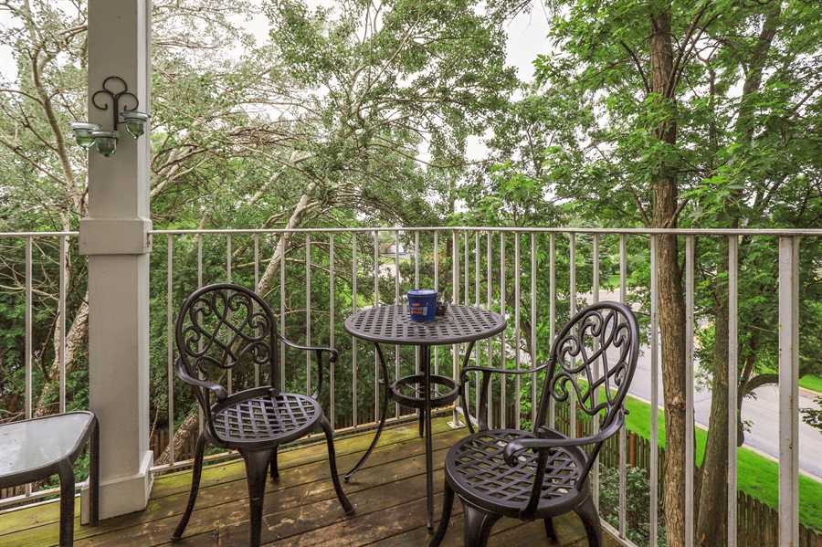 Real Estate Photography - 3243 Stratford Court, Unit 3F, Lake Bluff, IL, 60044 - Large Deck w/Fantastic Views