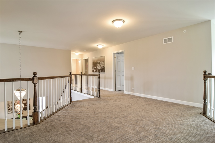 Real Estate Photography - 3575 Elsie Lane, Hoffman Estates, IL, 60192 - Loft
