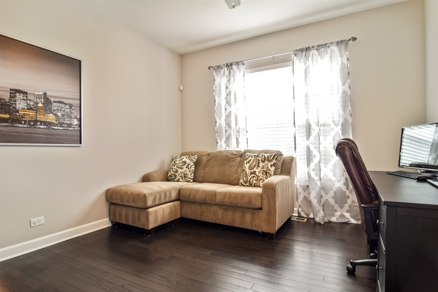 Real Estate Photography - 3575 Elsie Lane, Hoffman Estates, IL, 60192 - Office