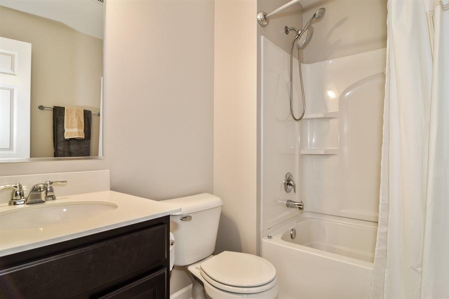 Real Estate Photography - 3575 Elsie Lane, Hoffman Estates, IL, 60192 - 2nd Bathroom
