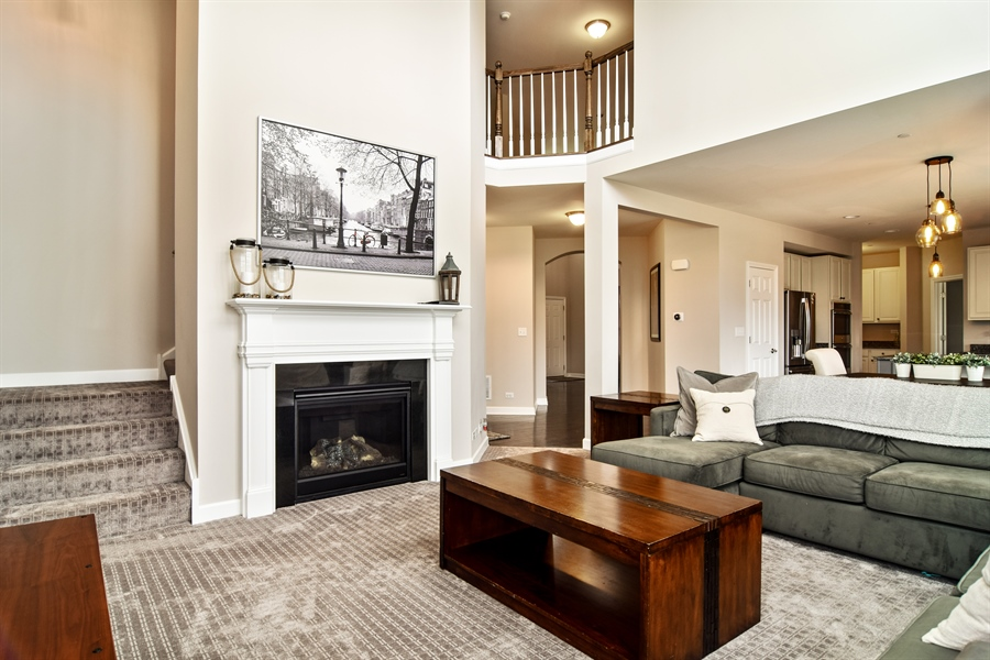 Real Estate Photography - 3575 Elsie Lane, Hoffman Estates, IL, 60192 - Family Room / Kitchen