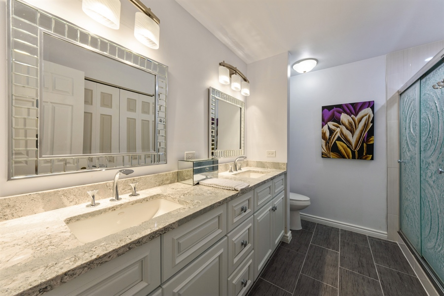 Real Estate Photography - 709 NEWGATE Lane, Unit C, Prospect Heights, IL, 60070 - Master Bathroom